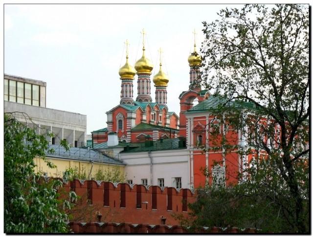 Кремлевская стена и купола