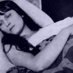 Ахматова в постели