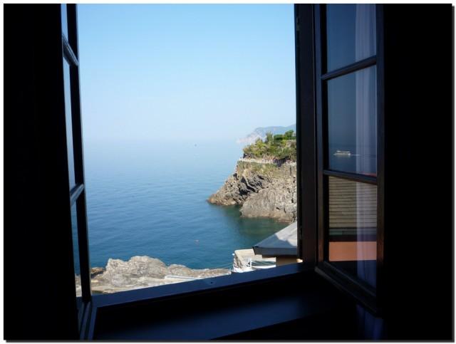 Вид на море из окна