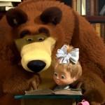 Мишка учит Машу читать