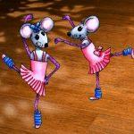 танцующие на паркете мышки