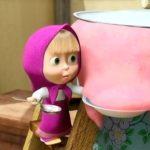 Маша и каша - кадр из мультфильма