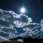 Звезда в ночном зимнем небе